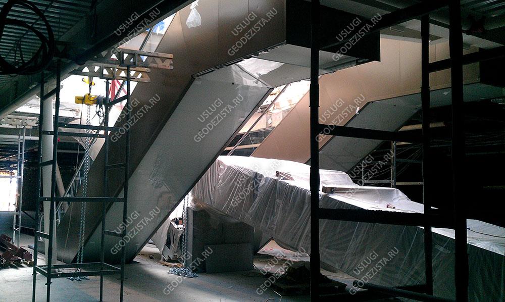 Установка эскалатора